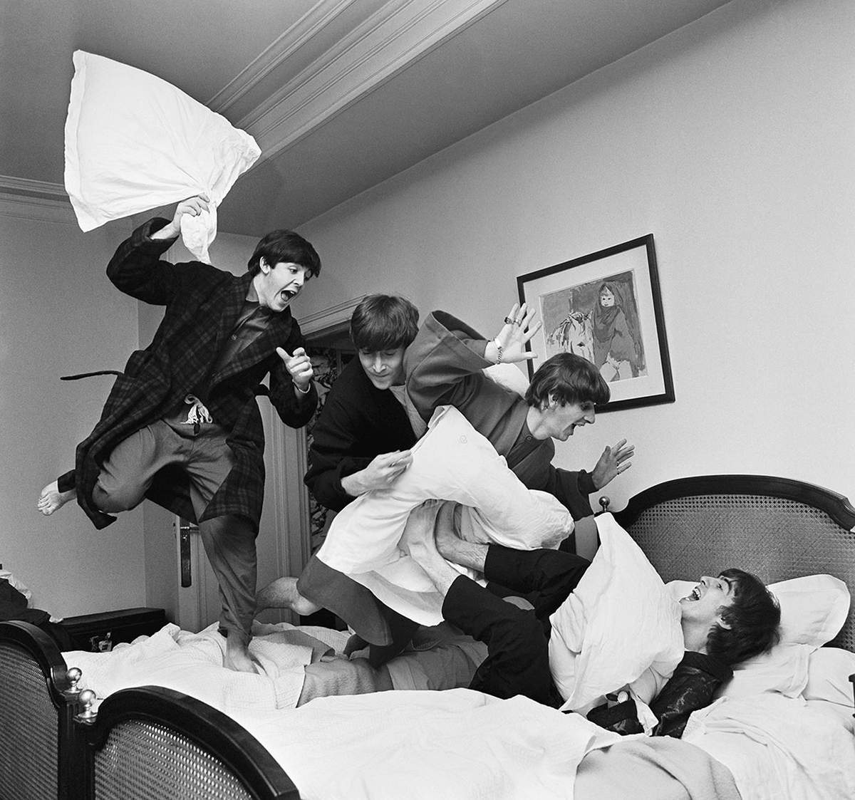 Harry Benson, The Beatles-Pillow Fight, 1964, Archival Fiber-Based Pigment Print112x112cm, Edition: 22/35, Courtesy: Harry Benson