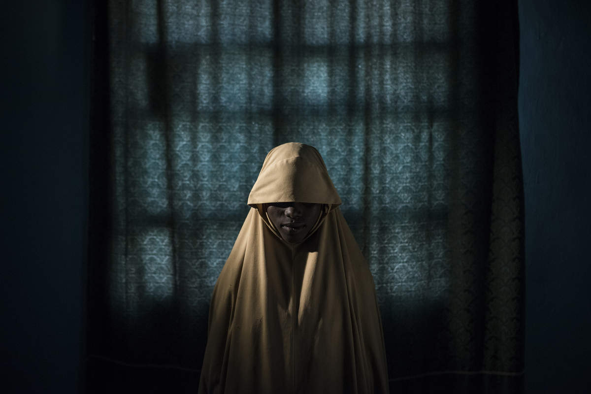 World Press Photo of the Year Nominee_Boko Haram le ha costrette a diventare kamikaze. In qualche modo queste ragazze sono sopravvissute. Aisha,14 anni. ©Adam Ferguson per New York Times